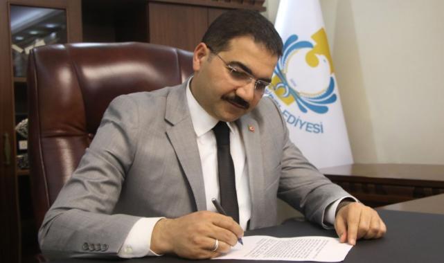Mehmet Canpolat: Cumhuriyetimizin 98'inci yıl dönümü kutlu olsun